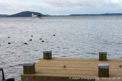 See mit Wasserflugzeug