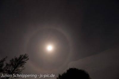 Der Mond am Nachthimmel