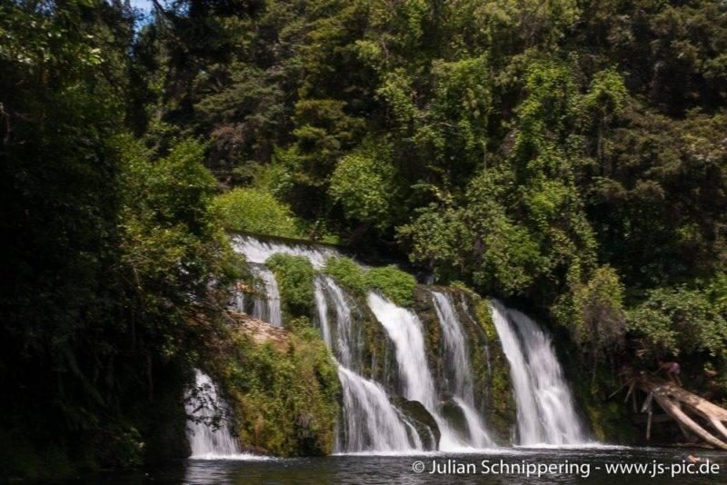 Die Maraetotara Falls in Neuseeland