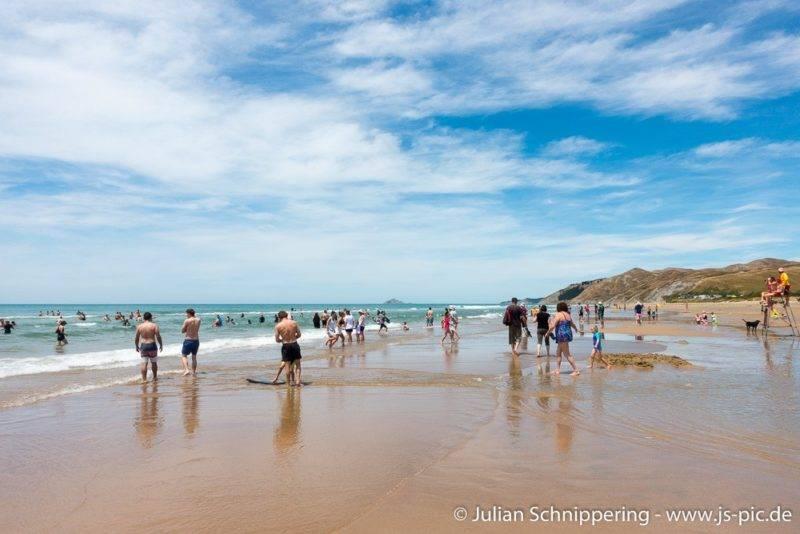 Ocean Beach mit vielen Menschen