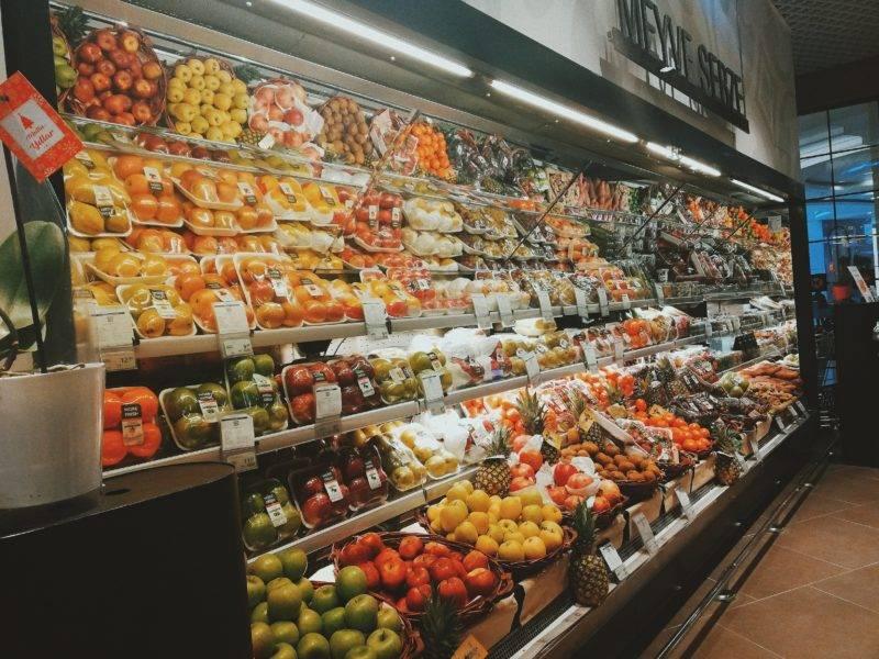 Blick auf ein Supermarktregal