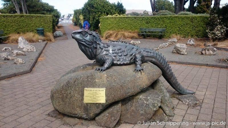 Tuatara Statue vor dem Museum