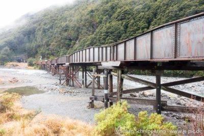 Historische Eisenbahnbrücke am Arthurs Pass