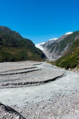 Blick aus dem Tal in Richtung Franz Josef Gletscher