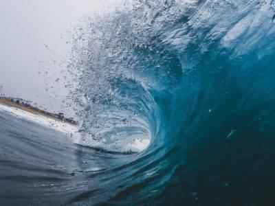 Action Cam Foto aus dem Tunnel einer Welle