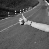 Wie kann ich sicher per Anhalter fahren - Backpacker Tipps