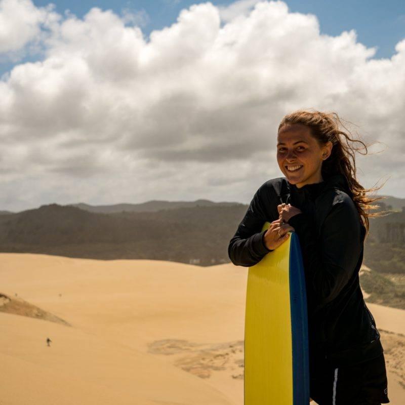 Zoe mit dem Sandboard