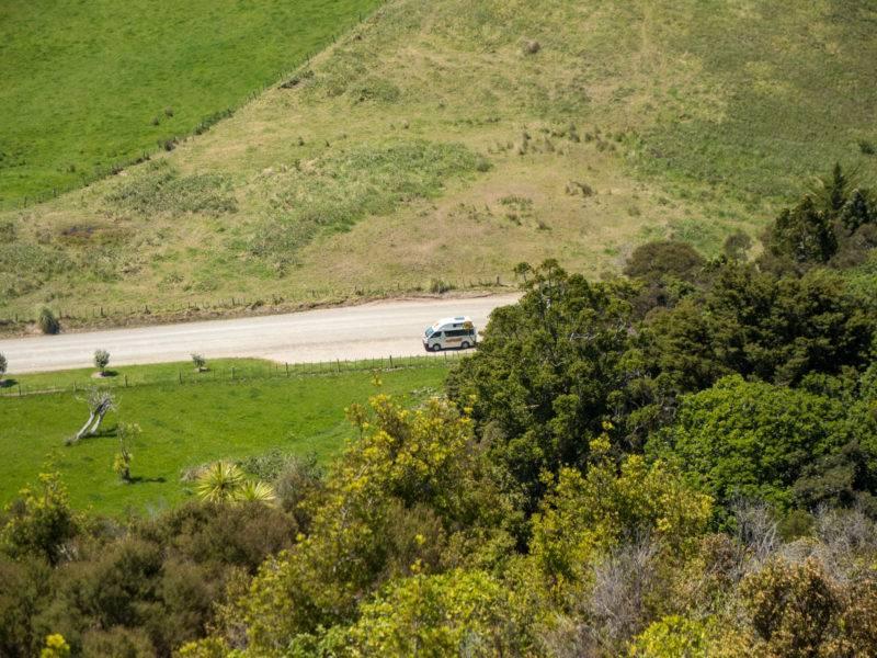 Aussicht vom Berg auf unseren Camper
