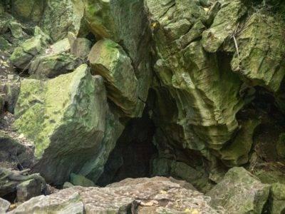 Einstieg in eine der Abbey Caves