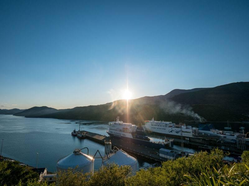 Aussichtspunkt auf den Fährhafen in Picton