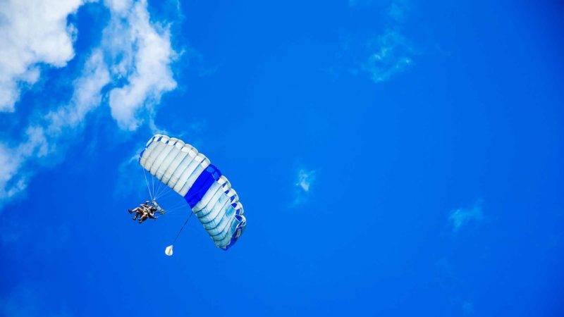 Erlebe bei einem Fallschirmsprung in Neuseeland den Adrenalinkick deines Lebens