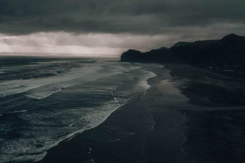 Einsame Strände in Neuseeland (Foto Elias Klug)