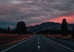 Einsame Straßen in Neuseeland (Foto Elias Klug)